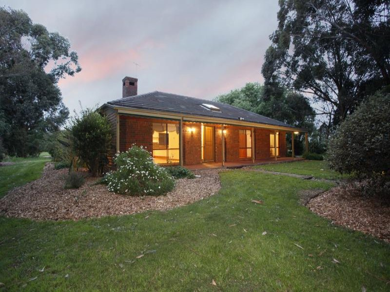 170 Toomuc Valley Road, Pakenham, Vic 3810