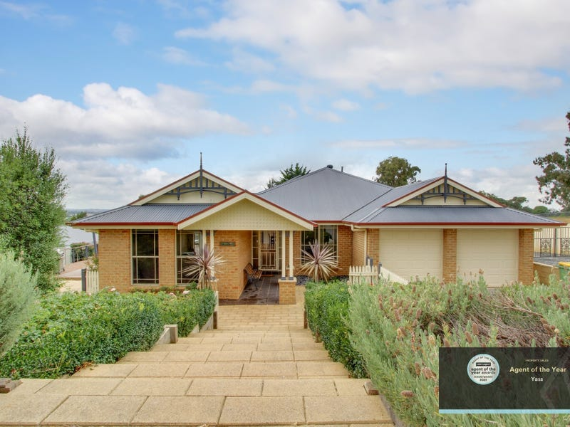 6 Clifton Place, Yass, NSW 2582