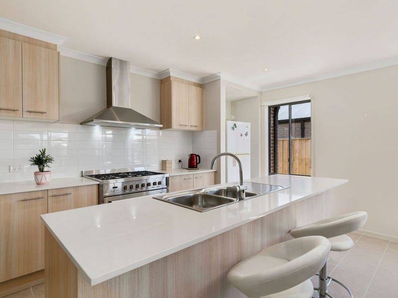 11 PEARL COURT, Cowes, Vic 3922