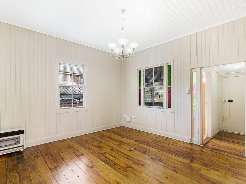 9 Kelfield Street, North Toowoomba, Qld 4350
