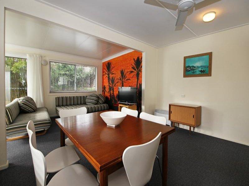 4 RUDDER St, Red Rock, NSW 2456