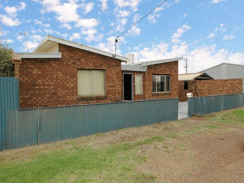 4 Pumpa Street, Dutton Way, Vic 3305