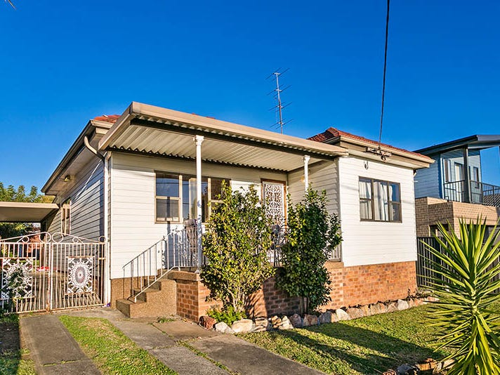 18 Third Avenue, Warrawong, NSW 2502
