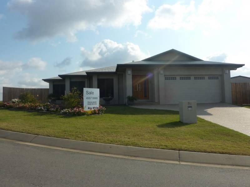 32 Hinze Court, Rural View, Qld 4740