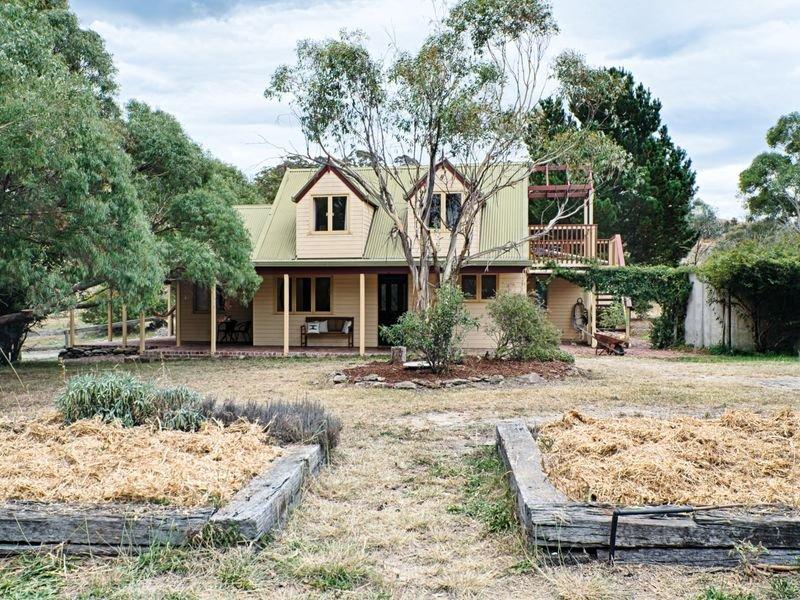 68 Williamsdale Road, Burra, NSW 2620