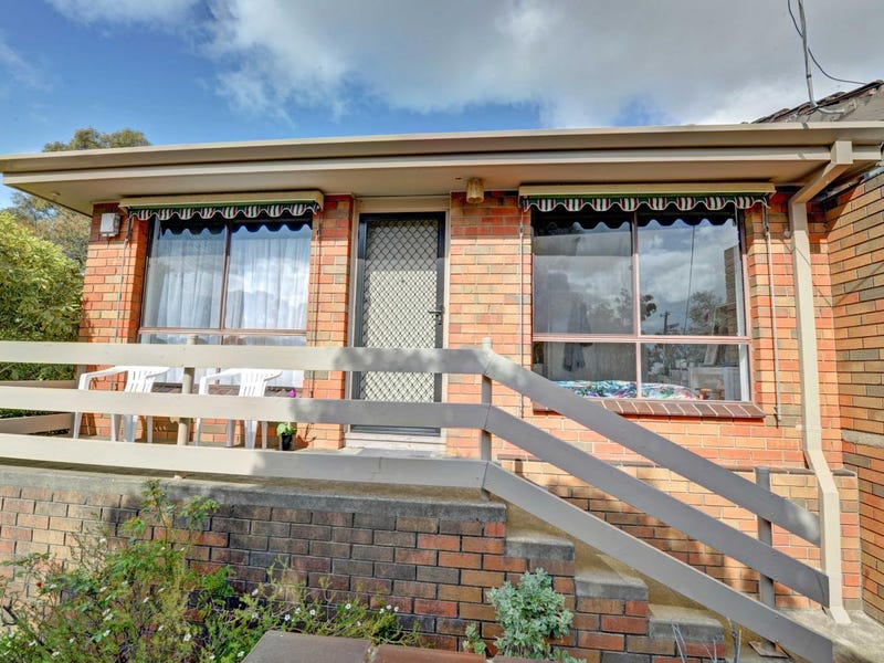 11/10 Simspon Street, Black Hill, Vic 3350
