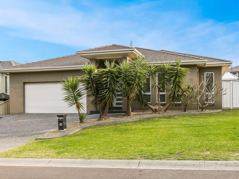 15 Wandella Crescent, Flinders, NSW 2529