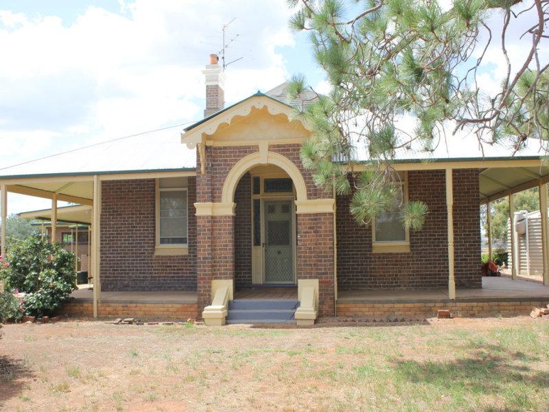 37 Tewkesbury Road, Temora, NSW 2666