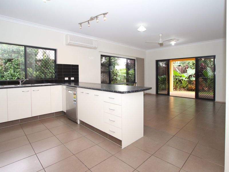 29 Tyrconnell Crescent, Redlynch, Qld 4870