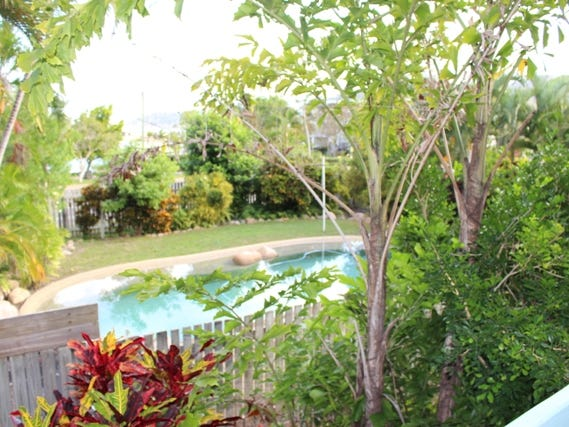 108 Sooning Street, Nelly Bay, Nelly Bay, Qld 4819
