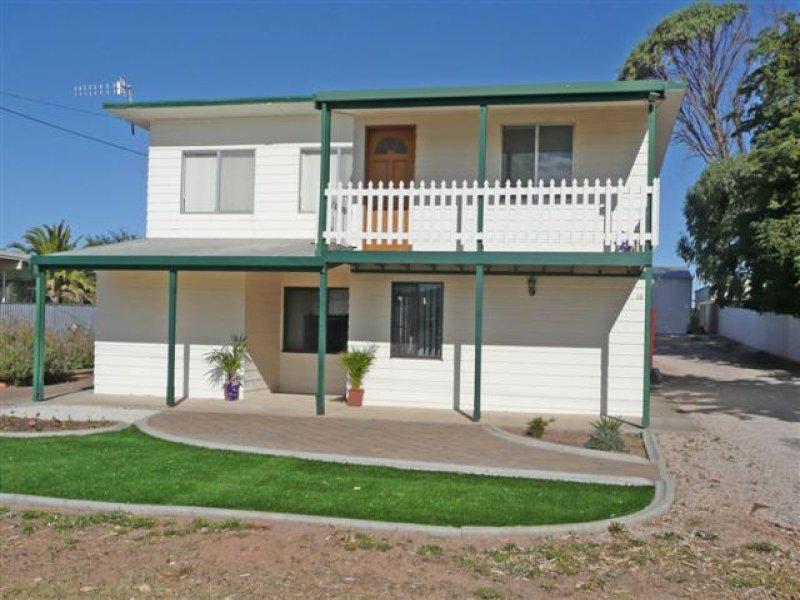 16 Central Street, Louth Bay, SA 5607