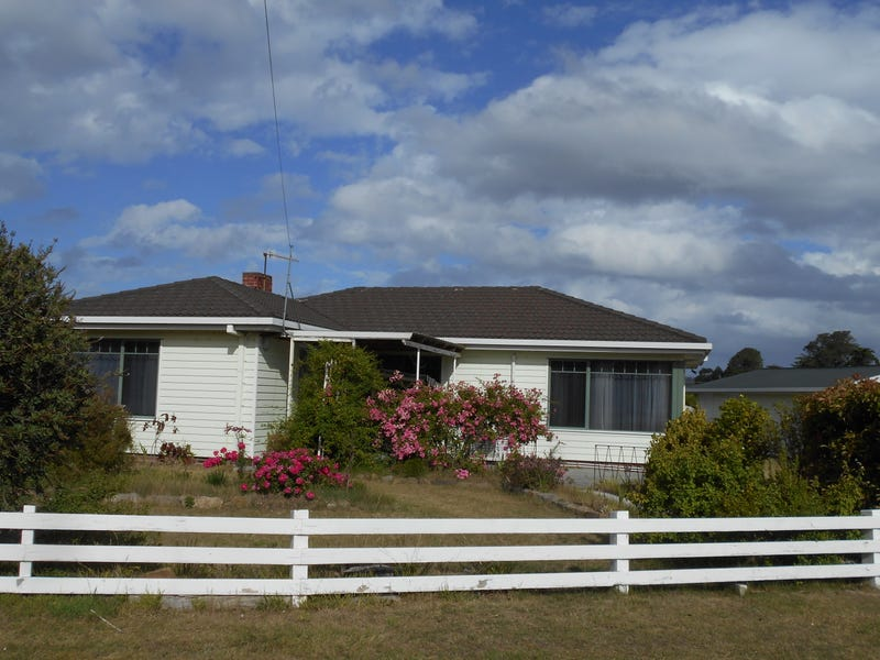 20 Tasman Highway, Triabunna, Tas 7190