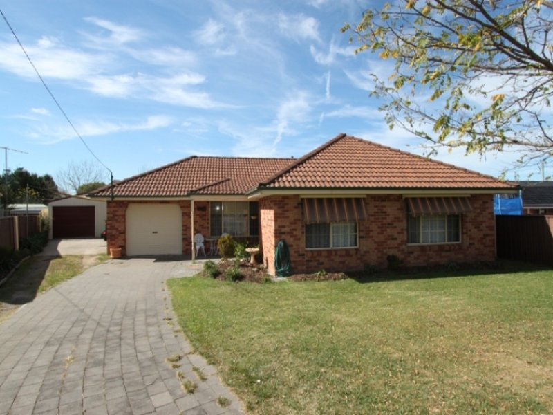 38 Delaney Place, Bathurst, NSW 2795