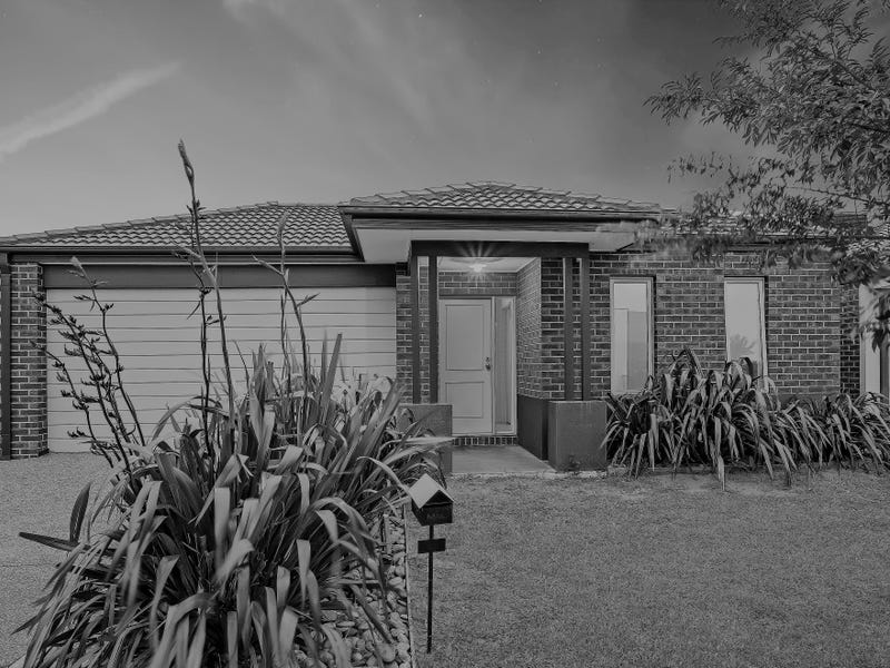 4 Ventasso Street, Clyde North, Vic 3978