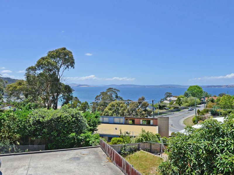 1/49 Kunama Drive, Kingston Beach, Tas 7050