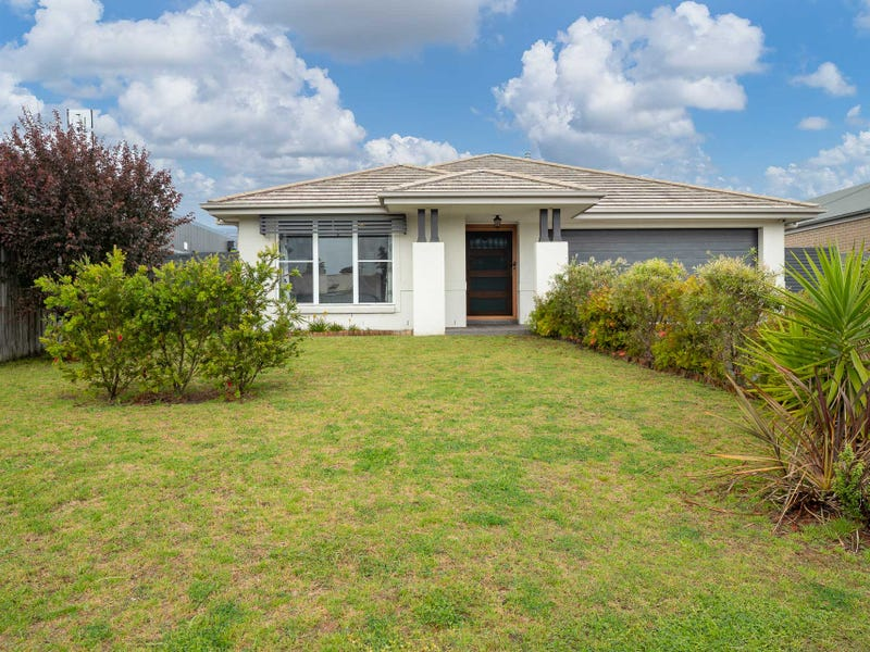 8 Red Hill Parade, Tomakin, NSW 2537