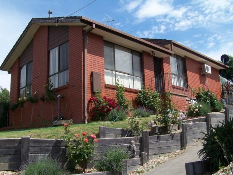 13 Hanley Cres, Seymour, Vic 3660