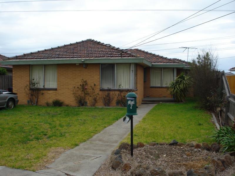 7 Warren Court, Keilor East, Vic 3033