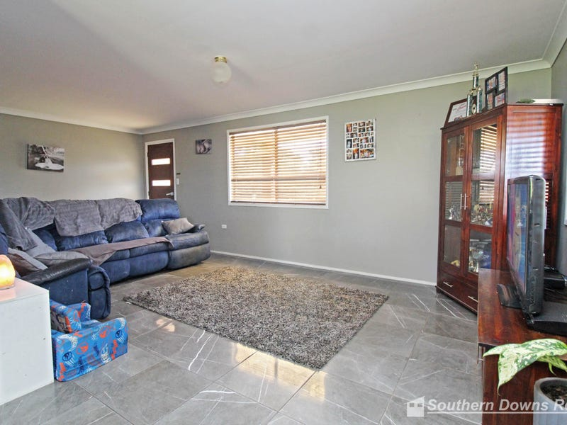 24 Diery St, Rosenthal Heights, Qld 4370