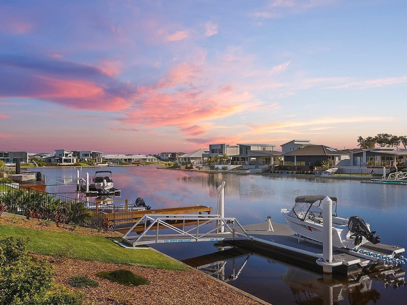 8 Wilshire Place, Pelican Waters, Qld 4551