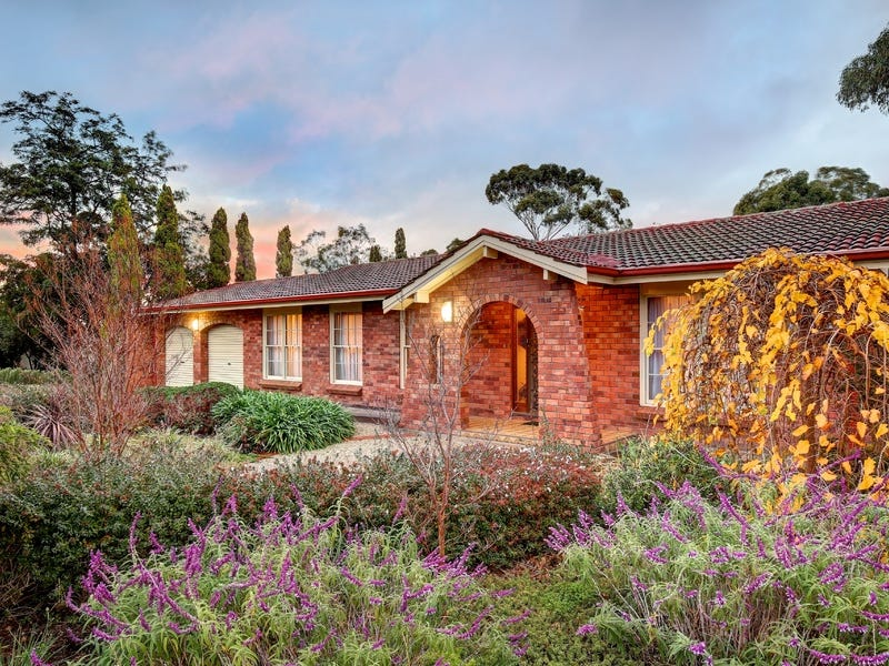 16 Highland Drive, Bellevue Heights, SA 5050