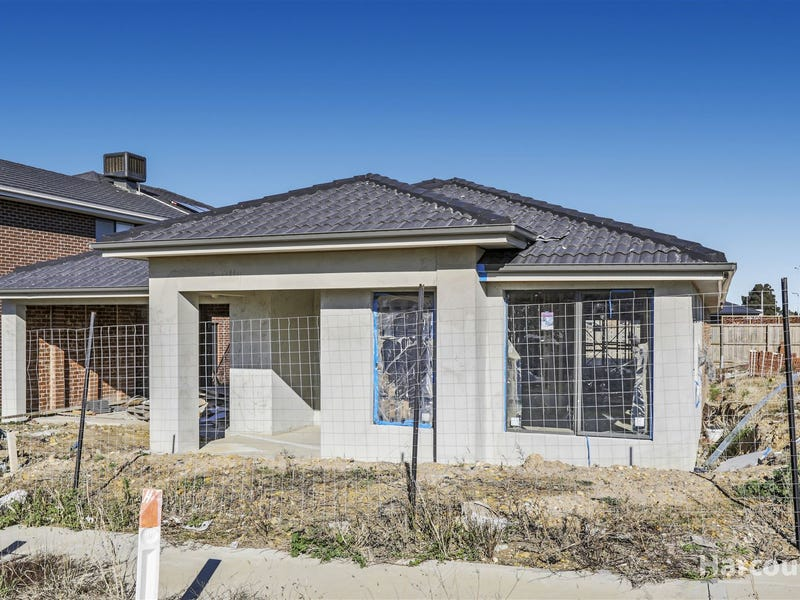 2 Hollingrove Ave, Clyde North, Vic 3978