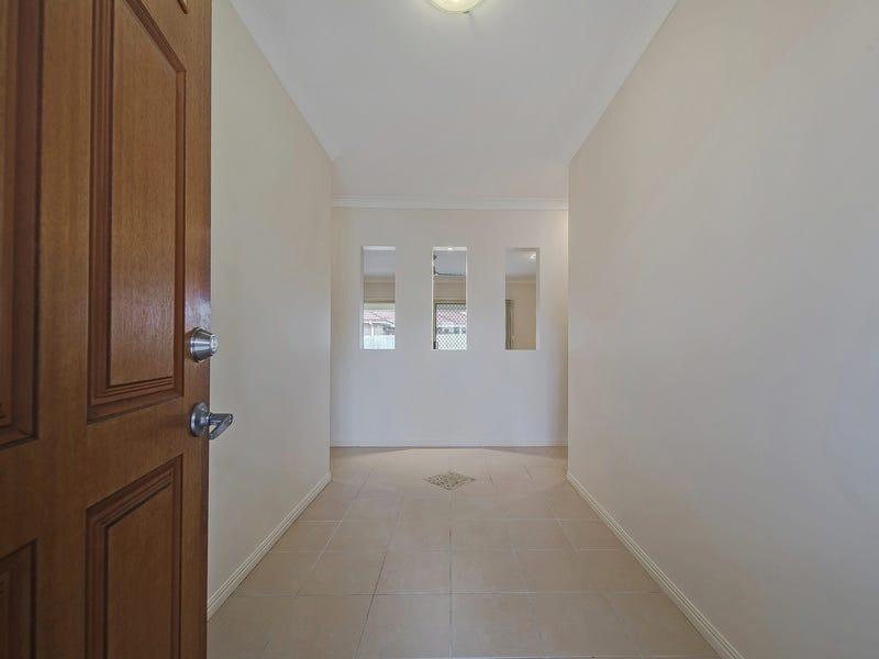10 Carallia Court, Ormeau, Qld 4208