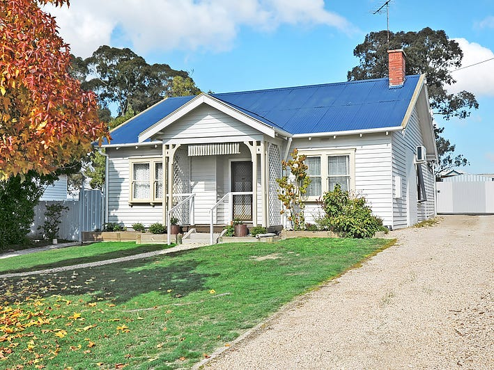 37 Cummins Street, Beaufort, Vic 3373