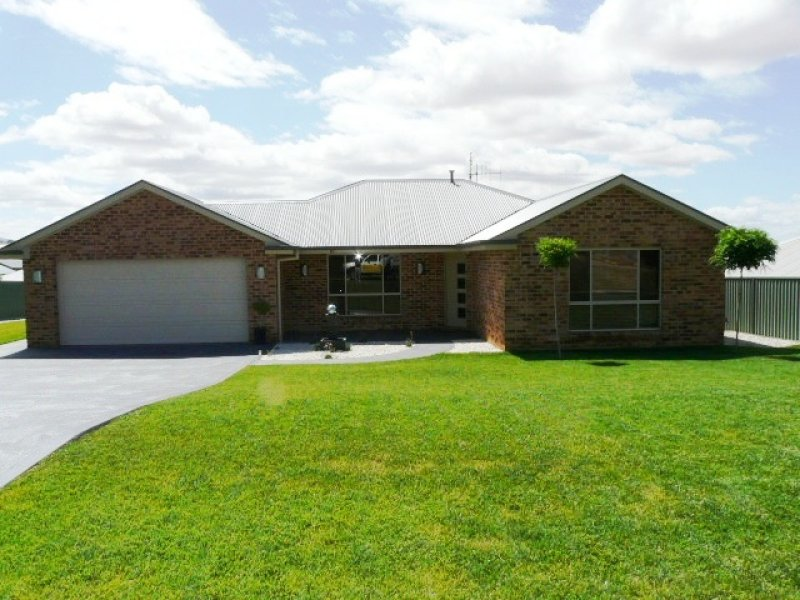 10 Colonial Circuit, Kelso, NSW 2795