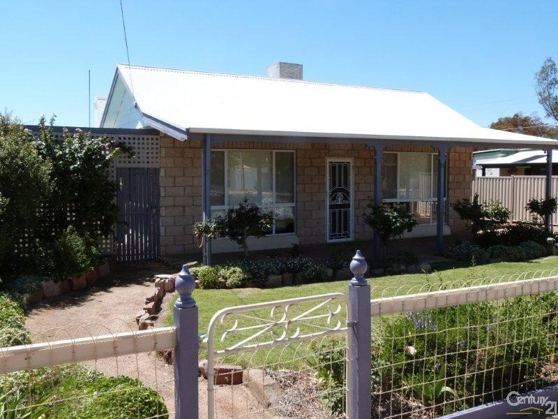 6 Fourth Street, Quorn, SA 5433