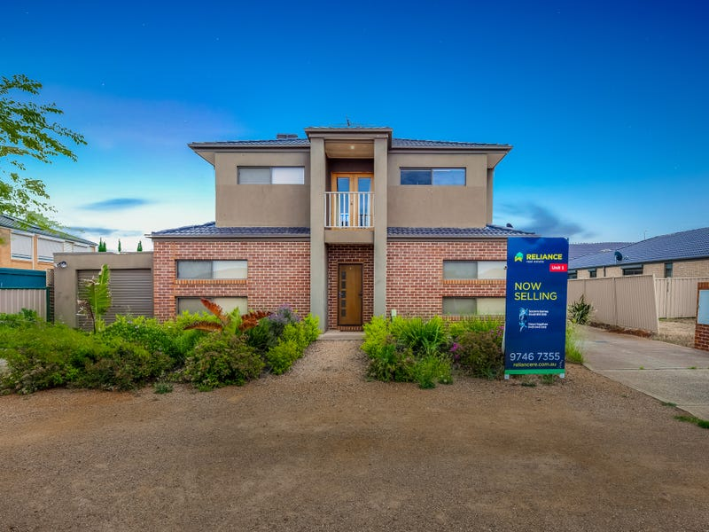 1/3 Borrowdale Road, Melton West, Vic 3337