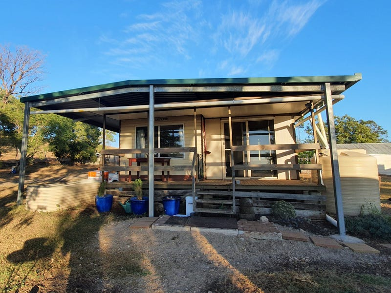 30 Abels Road, Goombungee, Qld 4354