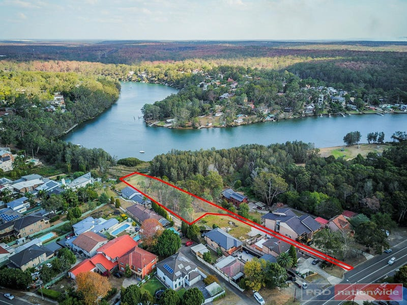 768c Henry Lawson Drive, Picnic Point