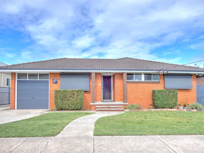 1/207 Beaumont St, Hamilton, NSW 2303