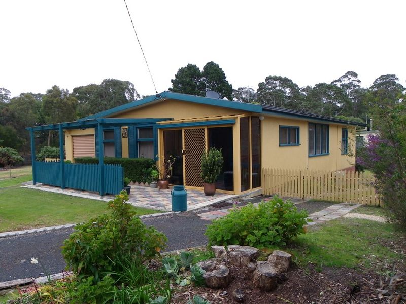 4 Honeysuckle Avenue, Sisters Beach, Tas 7321