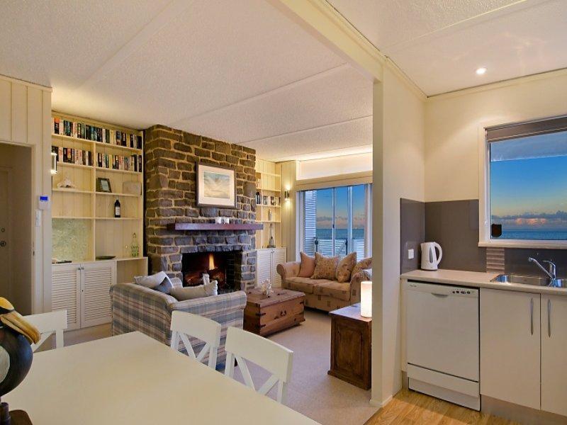 2/48 Lake Street, North Avoca, NSW 2260