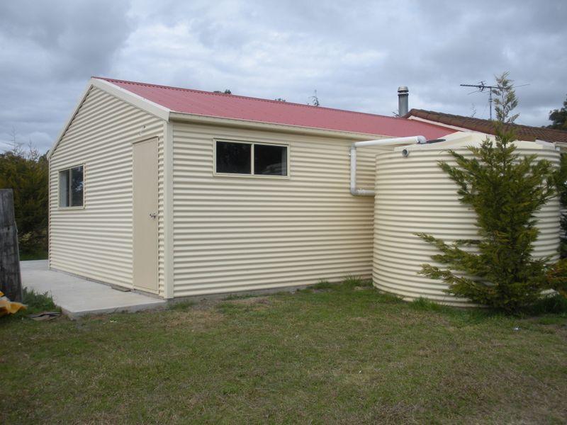 """The Flat"" 175 Nightingale Road, Pheasants Nest, NSW 2574"
