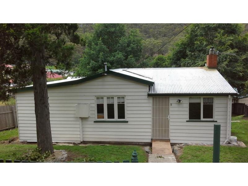 5 Beazley St, Captains Flat, NSW 2623