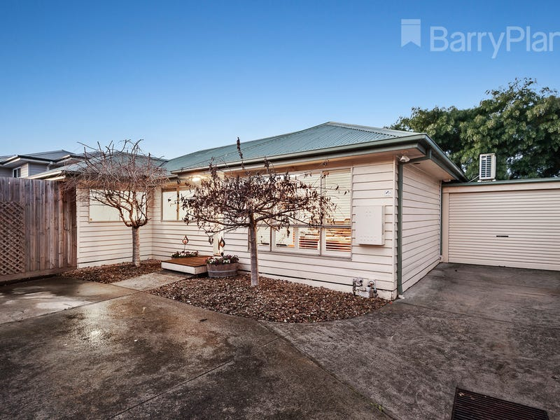 2/61 Bedford Road, Ringwood East, Vic 3135