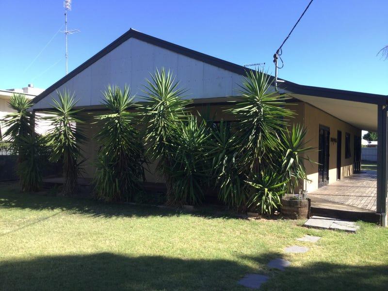 138 JERILDERIE STREET, Jerilderie, NSW 2716