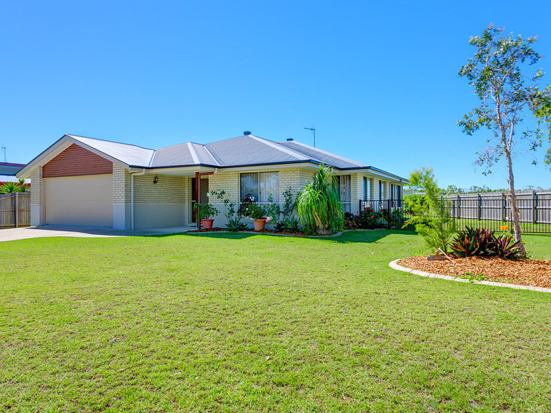 15 Lomandra Avenue, Cooloola Cove, Qld 4580
