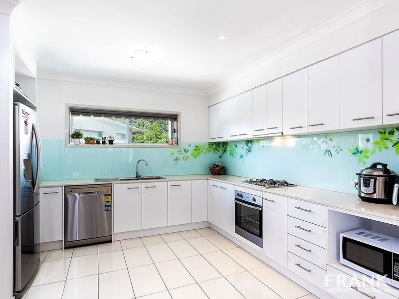 Tri-Level at/18 Whitley Street, Mount Gravatt East, Qld 4122