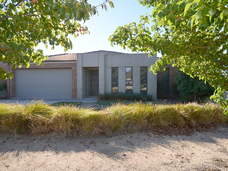 11 Calloway Close, Miners Rest, Vic 3352