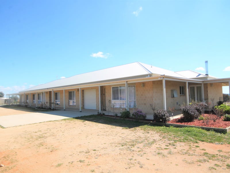 49 Old Monteagle Road, Young, NSW 2594