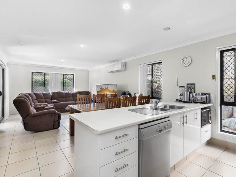 12 Park Edge Drive, Springfield Lakes, Qld 4300