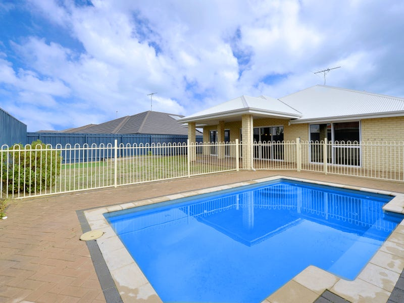 12 Marsdenia Road, Halls Head, WA 6210