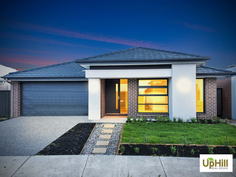 12 SAVAGE WAY, Clyde North, Vic 3978