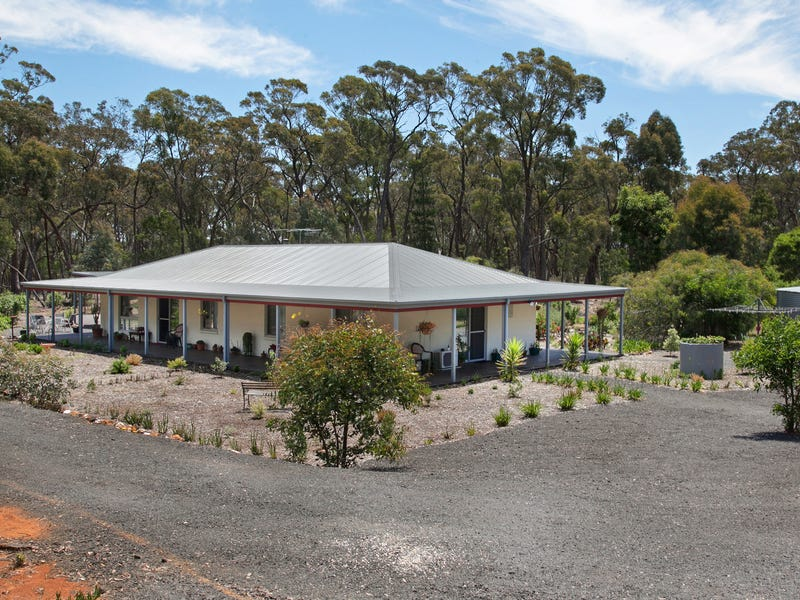 27 Lovejoy Lane, Beaufort, Vic 3373