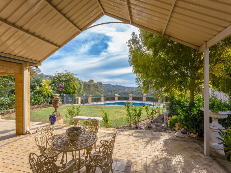 3 Soldiers Road, Roleystone, WA 6111