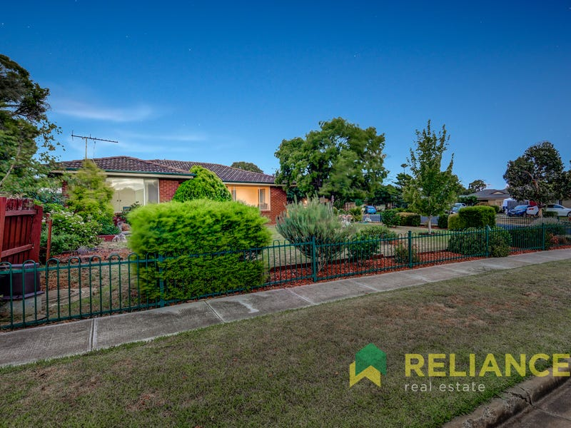 1 KASHMIR PLACE, Melton West, Vic 3337